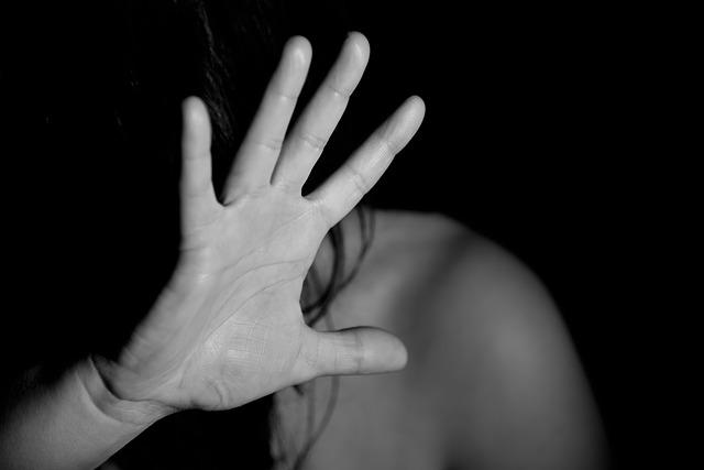Il Coronavirus non ferma i casi di stalker: cavesi denunciati per maltrattamenti