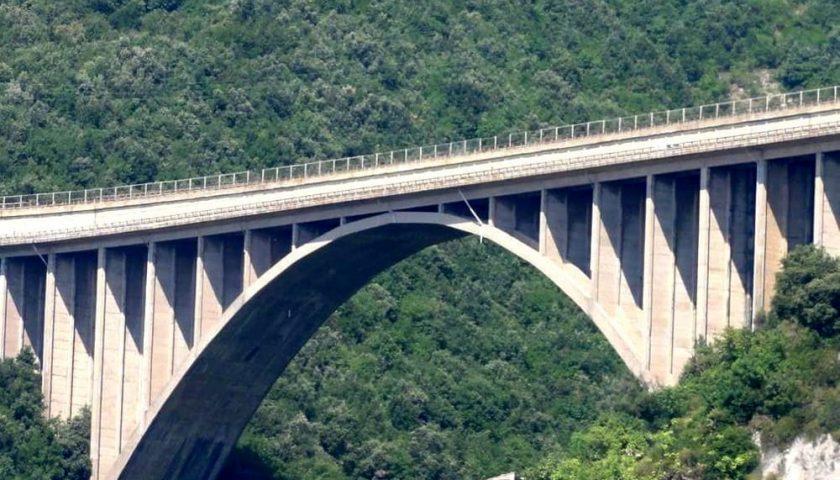 Allarme frane sull'A3: a rischio il tratto autostradale che collega Salerno a Cava