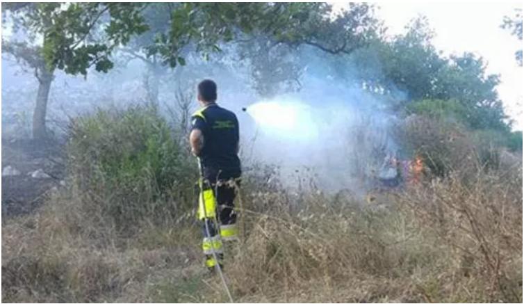 """Incendi nelle frazioni di Cava, caccia ai piromani: """"Serve una task force comunale"""""""