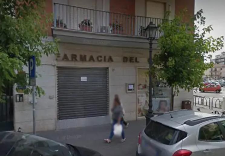 Cava, rubata la cassa della Farmacia del Corso: ladri ripresi dalle telecamere