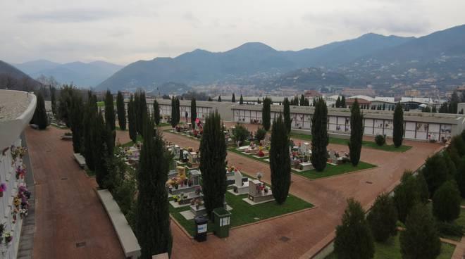 Cava de' Tirreni: profanata la tomba dell'ultras