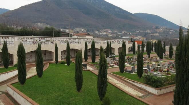 Cava de' Tirreni: sì al mercato rionale, cimitero aperto a Natale ed a Santo Stefano