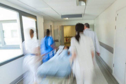 Cava de' Tirreni: malati di tumore senza cure a casa, Baldi chiede un oncologo all'Asl