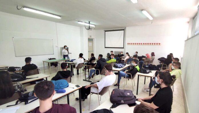 """""""Prima ci siamo noi"""": la battaglia per la mobilità dei dirigenti scolastici in servizio fuori regione"""