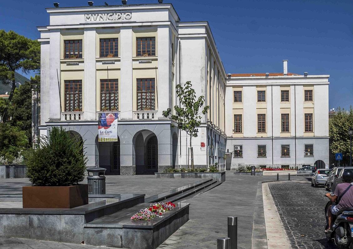 Cava de' Tirreni, Fratelli d'Italia lancia la petizione popolare per le dimissioni del sindaco Servalli