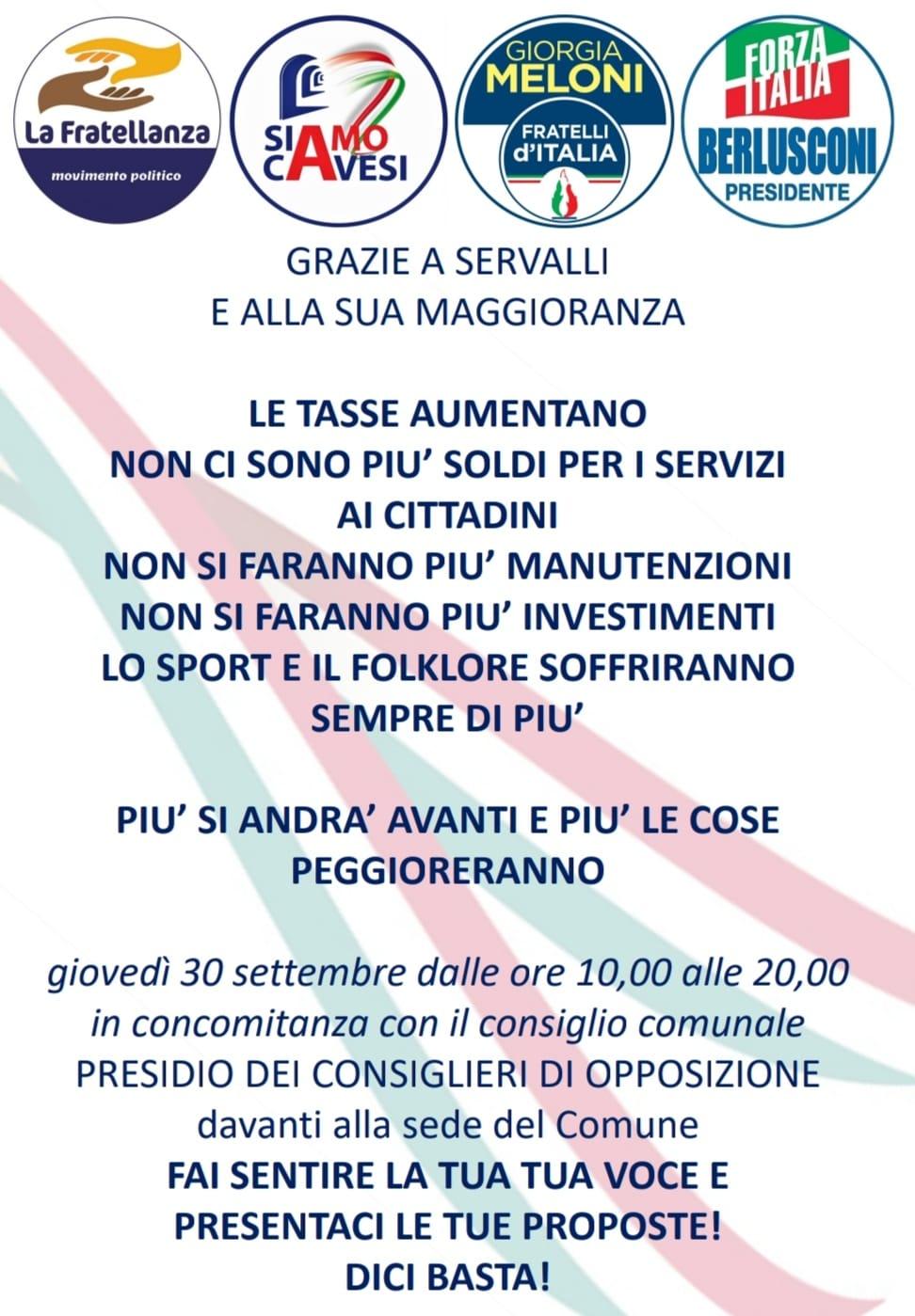 Cava de' Tirreni, l'opposizione in piazza contro l'Amministrazione Servalli e i rincari delle tariffe