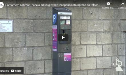 Cava de' Tirreni: sabotaggio parcometri, si indaga su in giovane incappucciato ripreso dalle telecamere (VIDEO)